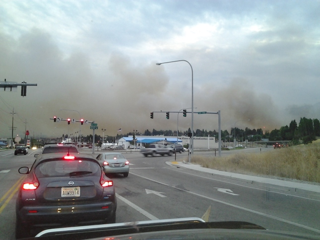 Fire heading into Wenatchee, photo looking South into Wenatchee from Easy Street.